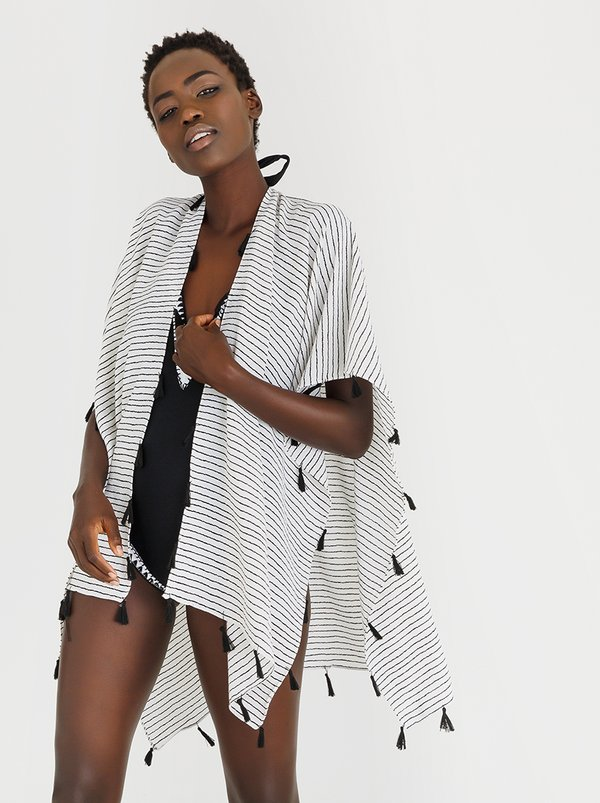 STYLE REPUBLIC Kaftan with Tassle Detail Black and White