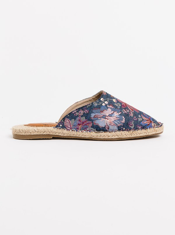 Wild Alice by Queue Closed Toe Espadrille Mules Floral