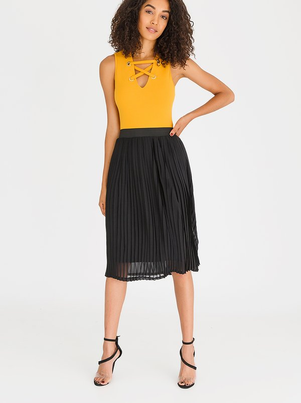 Pleated Midi Skirt Black | STYLE REPUBLIC