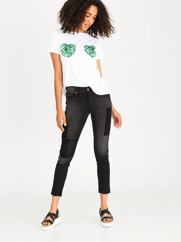 STYLE REPUBLIC Tinted Patch Skinny Jeans Black