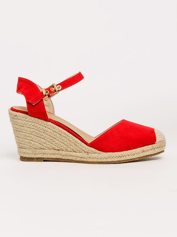 Queue Ankle-Strap Wedges Red
